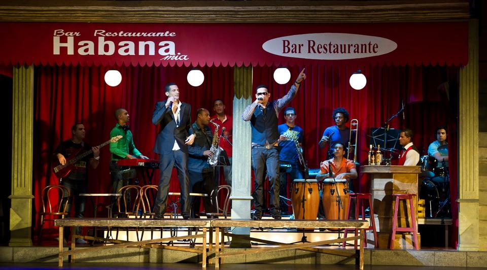 """Con """"Bésame mucho, el musical"""" tendrás una tremenda fiesta cubana"""