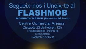 """El musical """"Over the Moon"""" prorroga indefinidamente en el Almeria Teatre y organiza un flashmob"""