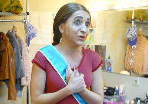 Entrevistamos a la Infanta Elena del musical La Familia IRreal