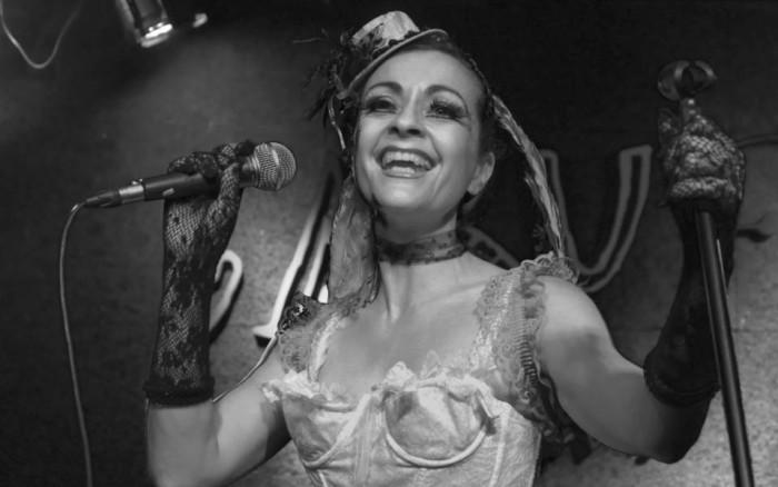 """""""El Cabaret de la Mujer Pájaro"""" ahora en el Café-Teatre Llantiol"""