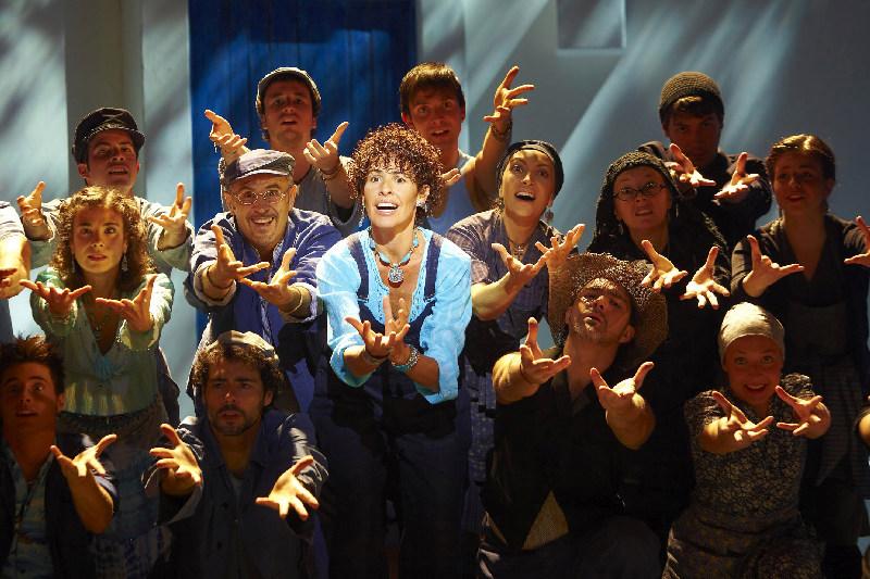Nina protagonista de Mamma Mia! el musical en el Teatre Tívoli de Barcelona