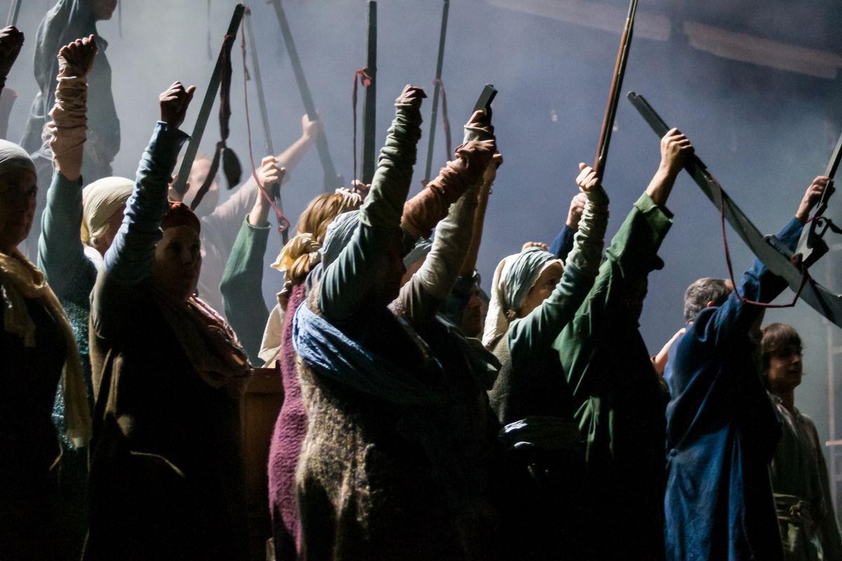 """""""Fang i Setge"""", la resistencia épica de la Barcelona asediada de 1714 llega al Teatre Victòria"""